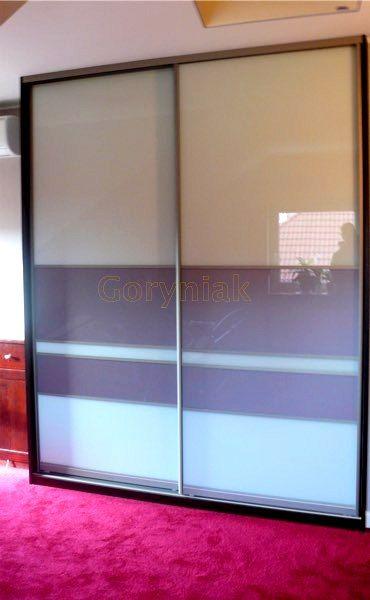 designerskie podejście do łączenia 2 kolorów szkła lacobel na drzwiach przesuwanych GORYNIAK.pl