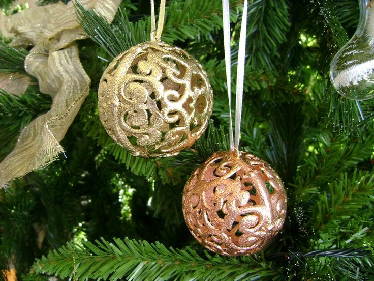 """A plastic christmas ball ornament, """"coated"""" in silver, gold and bronze!!! A """"shiny"""" ornament for your christmas tree and your holiday decoration, by shne4ever.gr!!! A sparkling touch for your home!!"""