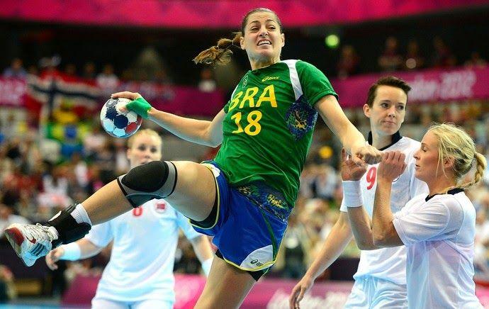 Blog Esportivo do Suíço: Duda Amorim ganha prêmio de melhor jogadora do mundo de 2014