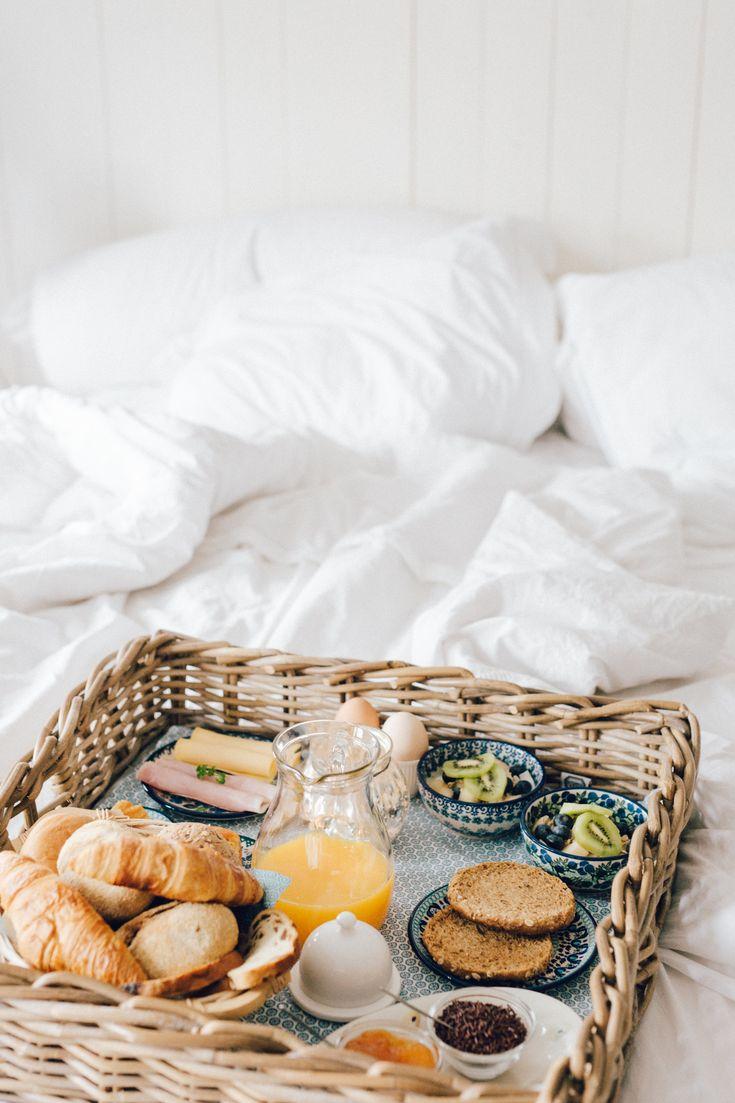 Vandaag, ontbijt op bed, omdat het kan :)  Fotografie: Lotte Manou