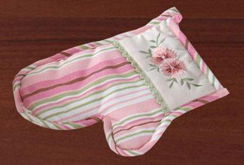 Victorian Garden Rose Glove, Potholder
