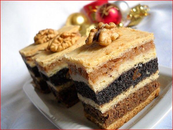Ingrediente aluat: 750 g faina, 150 g untura(sau 350 g unt sau margarina), 200 g zahar praf, 6 galbenusuri de ou, 350-400 ml vin alb dulce, 1 praf de copt, Ingrediente umplutura mere: 1.6 kg mere, 4 linguri miere de albine, 2 maini gris, 2 lingurite scortisoara, Ingrediente umplutura mac: 400 g mac macinat, 200