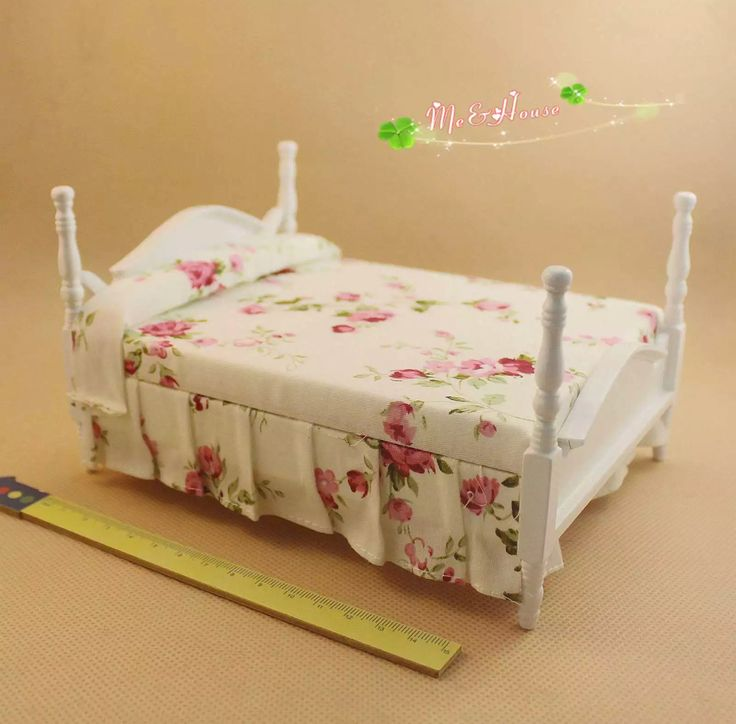 1/12 dollhouse miniature princess white wooden double-bed.