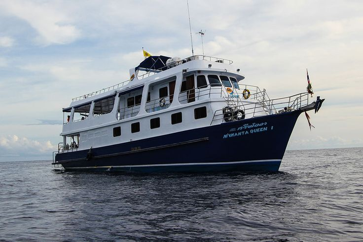 MV Manta Queen 1. MV Manta Queen 1 is a very popular and highly-respected Similan diving liveaboard boat that takes up to twenty two guests to the best diving sites in Thailand, including Koh Bon, Koh Tachai & Richelieu Rock. The boat's 10 cabins are in a variety of twin, double, and 4-bunk configuration, and all have air-conditioning.