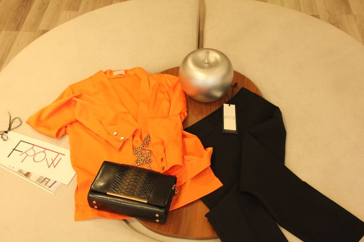 Giyinmek sanattır; size uygun olanı giyinmek stilinizi ve sanatınızı yansıtmanızı sağlar. Frow tasarımlarıyla bunu göstermeniz çok kolay! #Frowdh http://www.frowdh.com/