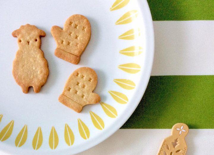季節のモチーフをかたどったクッキーをチェック