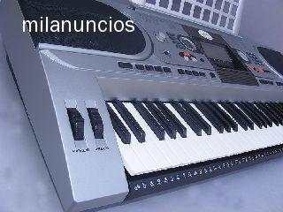 Teclado el�ctrico StarSMaker� SM-TE002.Teclado de piano est�ndar 61 teclas.Con teclado sensitivo/pantalla de Led. /conexi�n usb/8 demo canciones est�reo/162 voces,midi 128 voces gm.200 ritmos,sincronizaci�n/ fade in-out.Metr�nomo.Auto bajos yacordes.Lecci