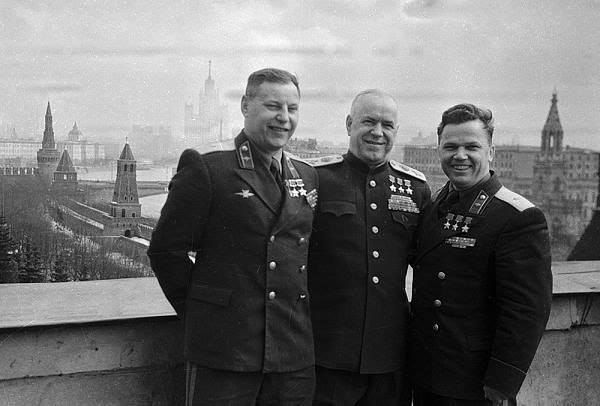 Великолепное фото! Трижды Герои Советского Союза: маршал ...