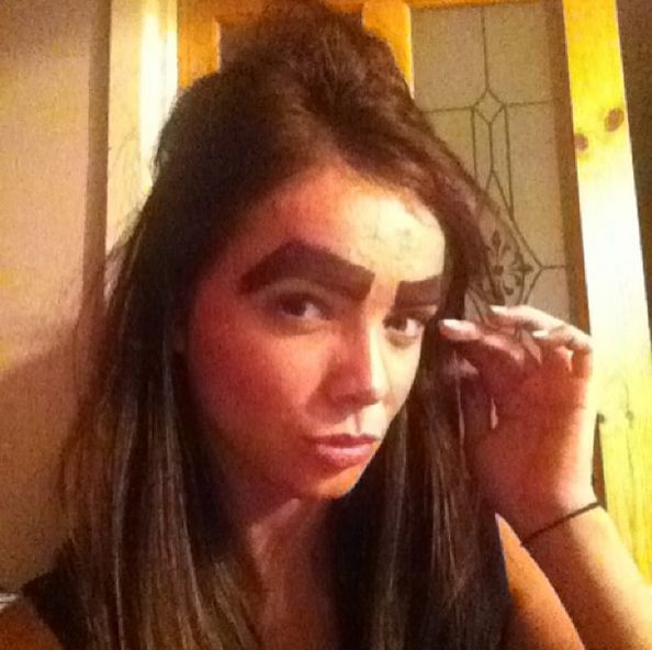 These 37 People Have The Worst Eyebrows You Could Ever Imagine. For Real.
