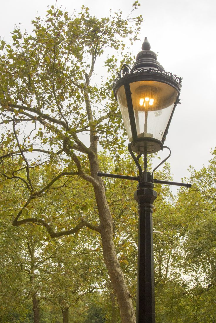 Gas lamp on the Mall