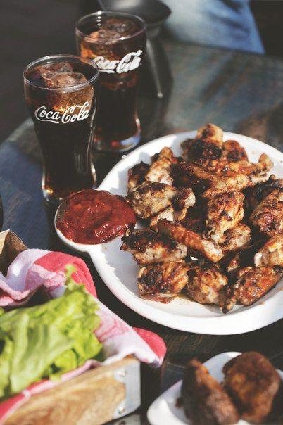 Куриные крылышки с соусом барбекю
