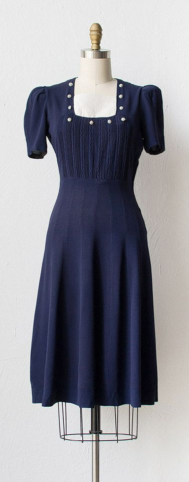 vintage 1940s dress   #vintage #1940s #navy
