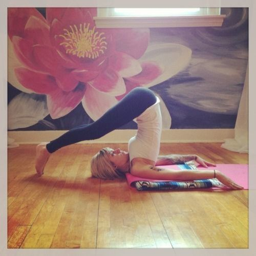 Benefits of the Plow Pose (Halasana) Strengthens and opens up the neck, shoulders, abs and back muscles Calms the nervous system, reduces stress and fatigue Tones the legs Stimulates the thyroid gland, strengthens the immune system