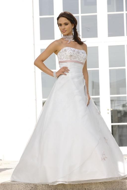 88 best Color Accent Brides images on Pinterest | Wedding frocks ...