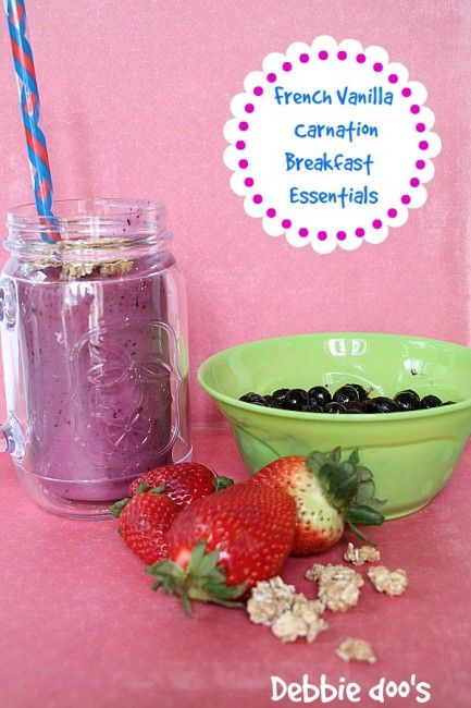 How to make a breakfast smoothie with Carnation Breakfast essentials - Debbiedoo's