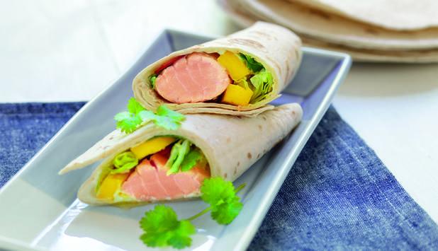 Wrap med laks og mangosalat