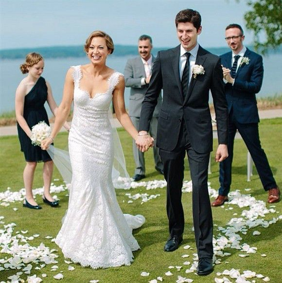 Ginger Zee of 'Good Morning America' Marries NBC's Ben Aaron. Beautiful lace dress