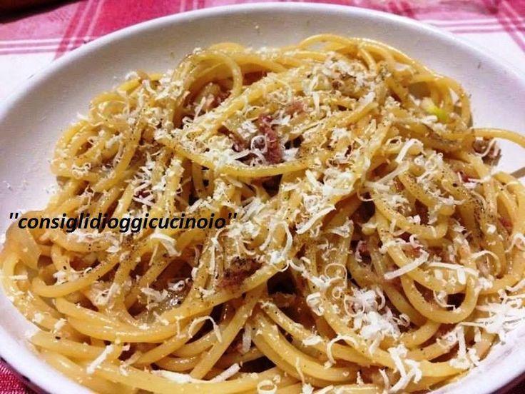 Gli spaghetti alla marchigiana sono un piatto pieno di sapore e che prendono il nome dal suo ingrediente principale. Il marchigianissimo...ciauscolo. Quest