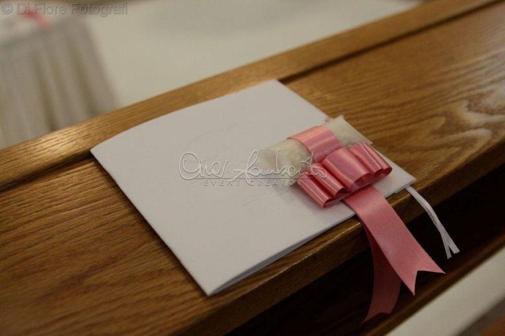 Elegante presentazione del libretto messa con scatolina portariso
