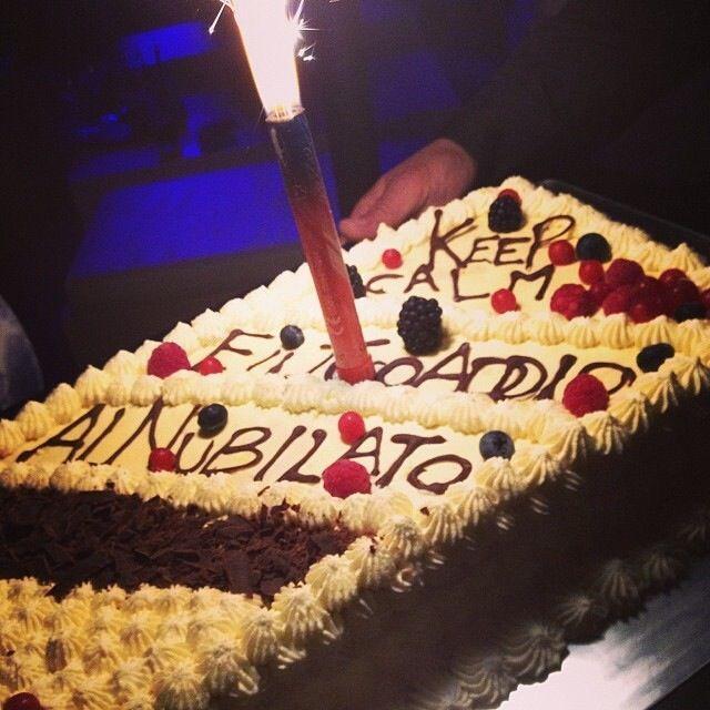 Amato Oltre 25 fantastiche idee su Torte di addio al nubilato su  XN01