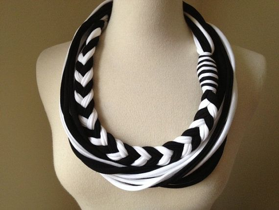 Items similar to La pesadilla antes de Navidad - Jack Skellington inspirado collar de la bufanda de Jersey on Etsy