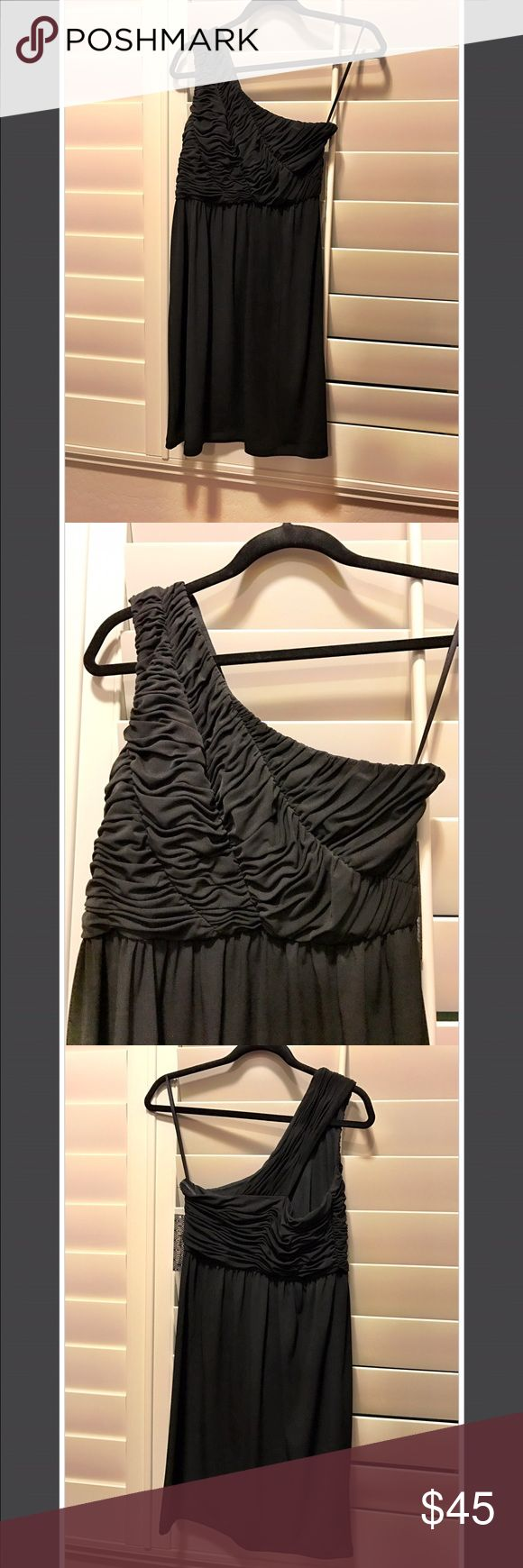 Gianna Bini Black One Shoulder Dress Small NTW Gianna Bini Black One Shoulder Dress Small New With Tags. Perfect condition! Comes from Smoke Free Home! Gianni Bini Dresses One Shoulder