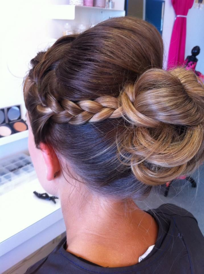 Up do with side braid x
