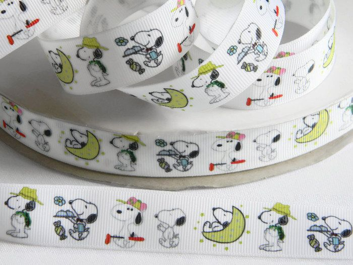 """Snoopy Ribbon Grosgrain 5 yards of 7/8"""" White Ribbon with Snoopy Beagle Dog Moon Birthday Party Favor Ties Hair Bows Peanuts Comics Golf by HouseofHairDecor on Etsy"""