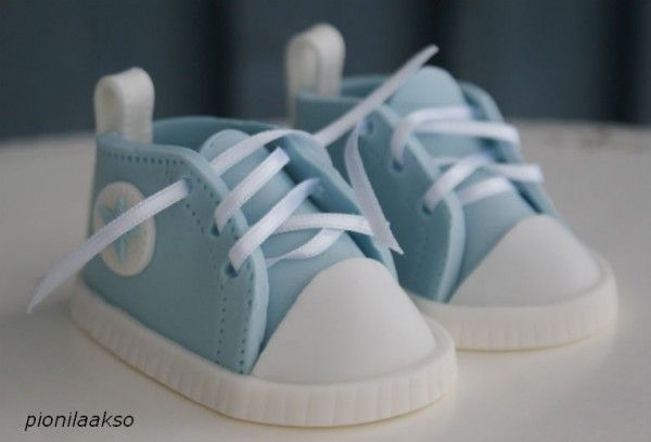 How to Make Gumpaste Baby Shoes