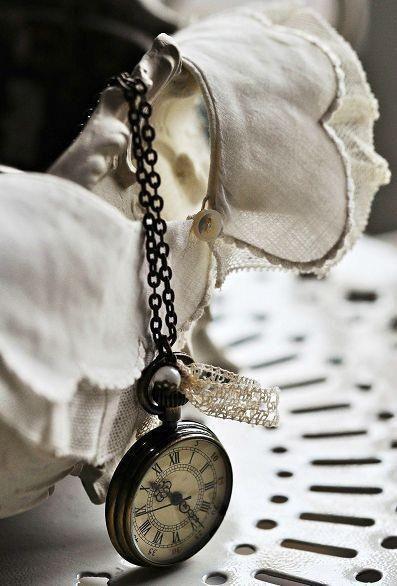 (̏◕◊◕)̋ weathered old pocket watch in a pretty little still life. vintage love