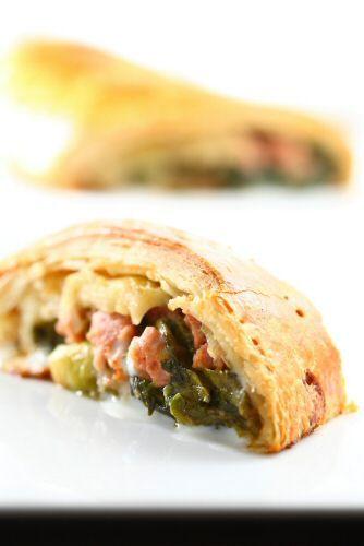 """Campania: """"Tarallo di pizza friarielli salsiccia e mozzarella"""" La ricetta della Chef Rosanna Marziale"""