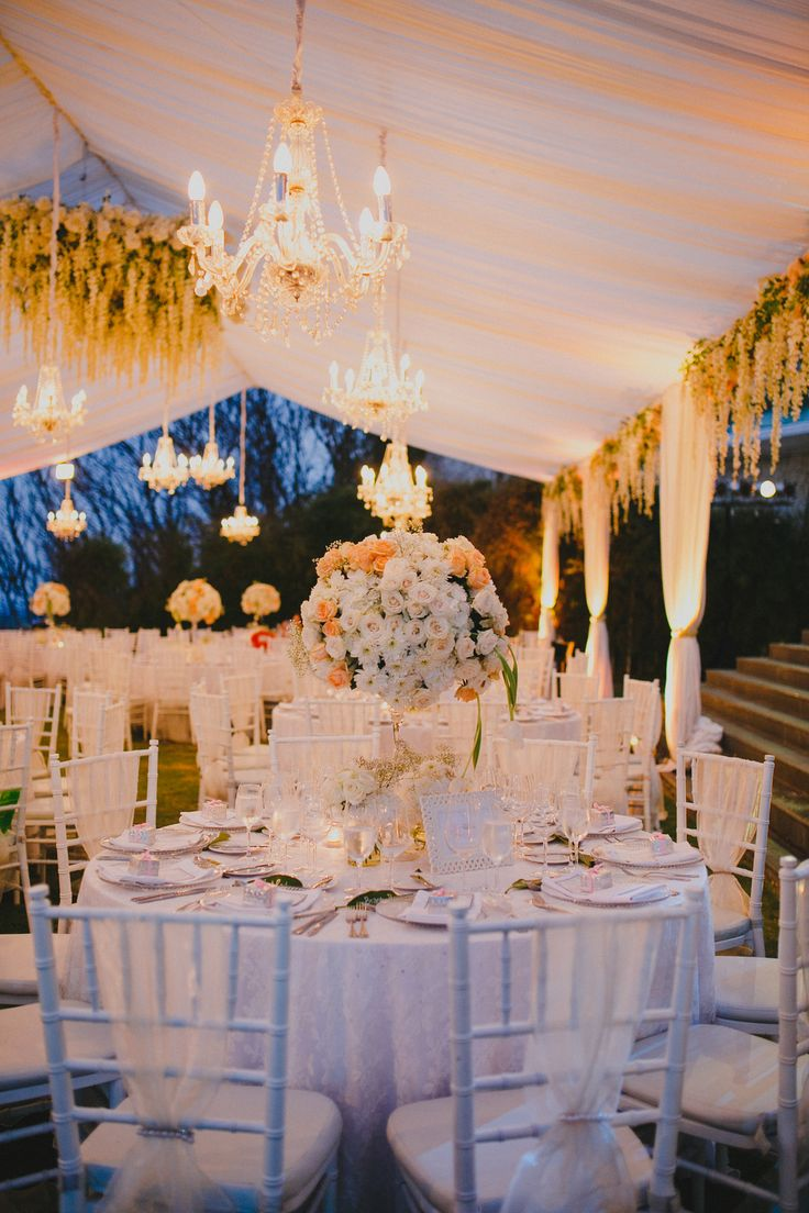Romantic indian fusion villa wedding in bali receptions for Bali wedding decoration ideas