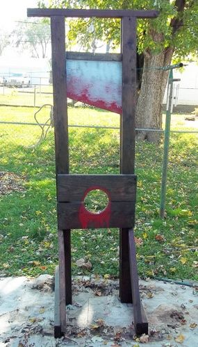 Static My New Guillotine For 2014 Halloween Diy Props