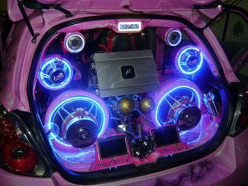 Een goed auto geluidssysteem is geen luxe - Plazilla.