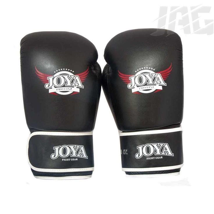 [JOYA PRO-LINE LEATHER] The new Pro Line Leather Glove is a new and improved version of the Top One Leather Boxing Glove, one of our top seller last year.  This glove is made to give the wearer a tight fit offering ultimate comfort in sparring. Made with Joya's unique combination of foams this glove uses specially selected high grade cow hide.
