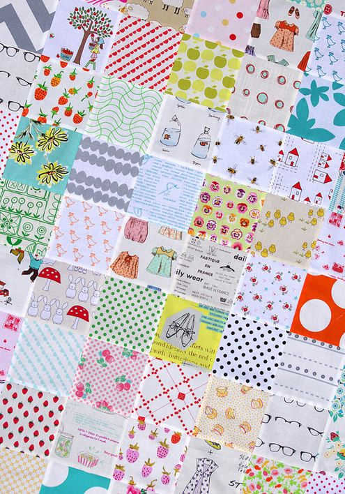 The Week In Stitches - Rita's (from red pepper quilts) quilt top uses 200 different prints.  It's wonderful!
