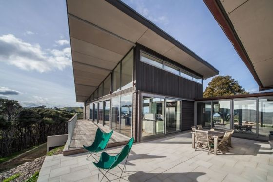 Ultimate in bach lifestyle - helicopter to the front door. Woodside Bay Estate in Whakanewha, Waiheke Island | Bookabach.co.nz/22437