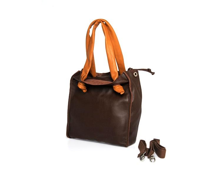 I modelli La Busteria sono pratici e versatili, perfetti come borsa da viaggio o per lo shopping di tutti i giorni!