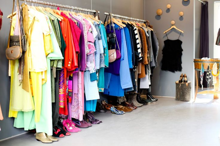 1000 Ideas About Color Coded Closet On Pinterest Outfit