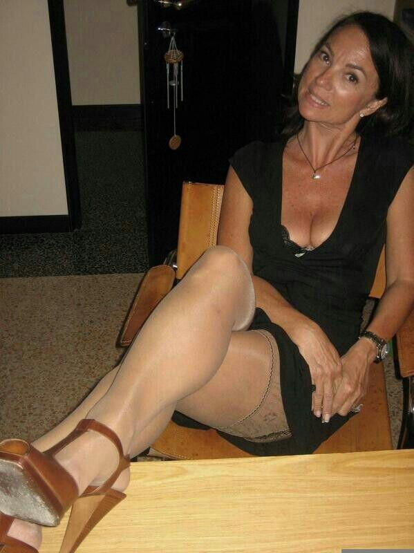 Уложить спать фото итальянок зрелых