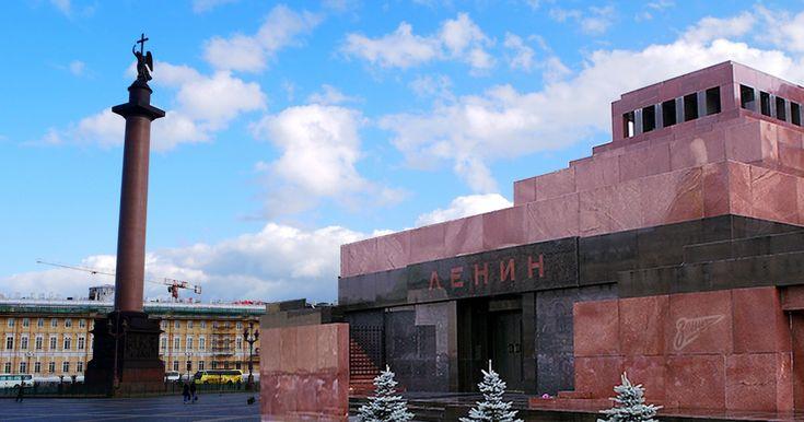 За время своего существования Санкт-Петербург не только менял своё название и статус, но и облик. Какие-то здания постоянно перестраивались, какие-то исчезали…