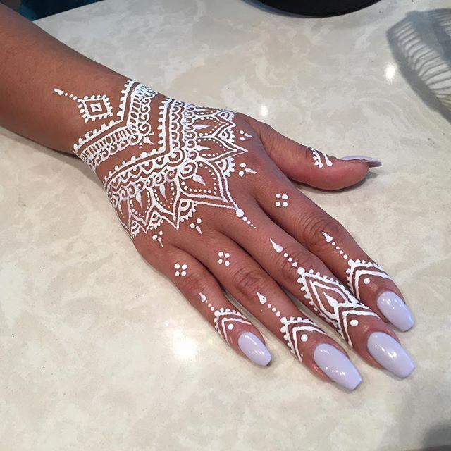 Dark Skin White Henna Design Pictures Www Picturesboss Com