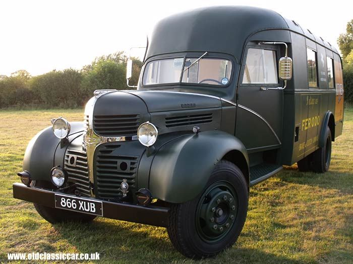 1940 Dodge Truck at the pub meeting
