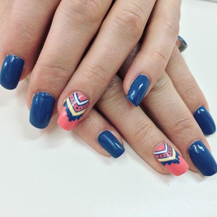 Ongles gel. Ongles bleus. Ongles corail. Ongles inca.  Nail art. Blues nails. Pink nails.