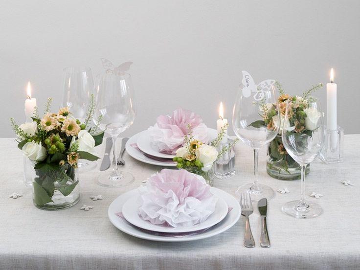 Anna schlägt vor, im Frühling den Tisch mit eleganten Schmetterlingen und Servietten mit Blumenmotiv zu dekorieren. Im Video zeigt sie, wie Sie schöne..