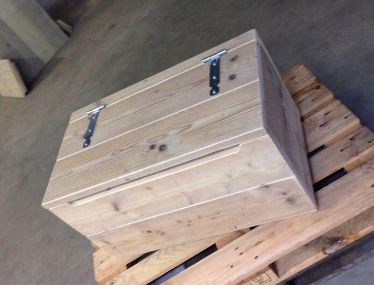 Opbergkisr gemaakt van steigerhout