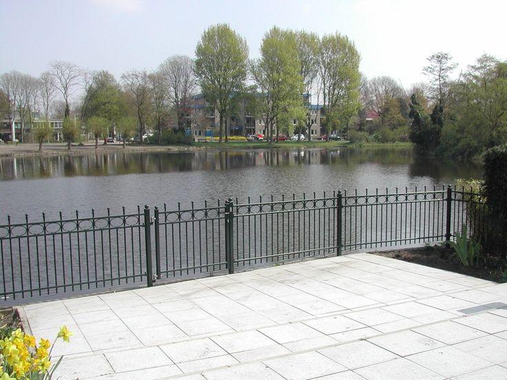 model-nijenburg-4. Maatwerk sierhekwerk van metaal voor tuin, voortuin en balkon.