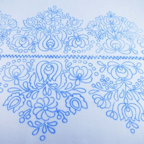 ハンガリー刺繍図案入りピローケース マチョー刺繍