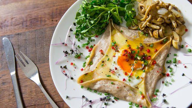 フランスの家庭料理そば粉で作る本格ガレットの作り方