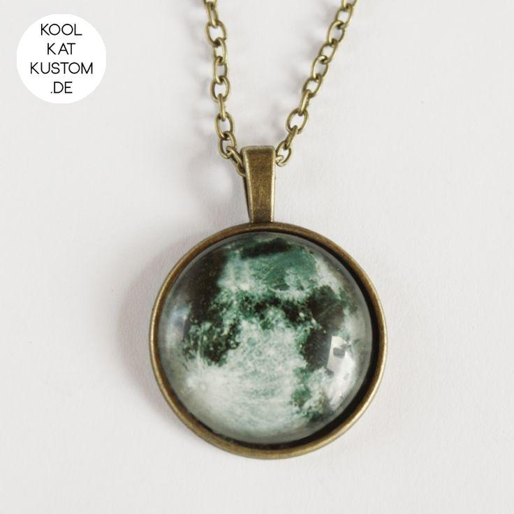 Mond Amulett 2